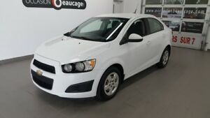 2013 Chevrolet Sonic LS, A/C, bluetooth, régulateur NO DAMAGE RE