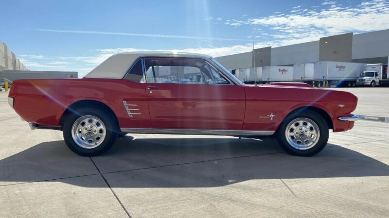Image 7 Voiture American classic Ford Mustang 1966