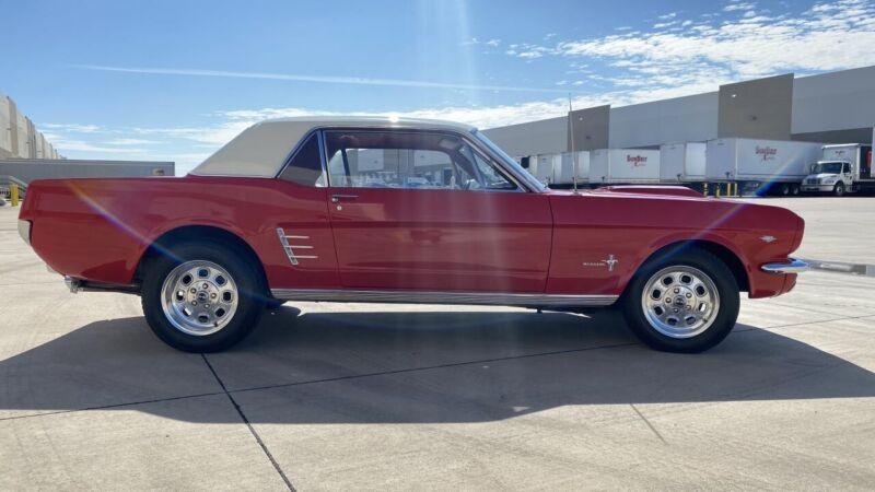 Image 7 Coche Americano de época Ford Mustang 1966