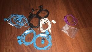 6 earbuds (new buds on them) and 1 headphone extensio