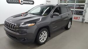 2016 Jeep Cherokee North 4x4, V6, hitch , toit panoramique, écra