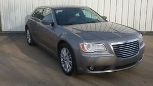 2014 Chrysler 300 No PST - Local Trade - 1 Owner