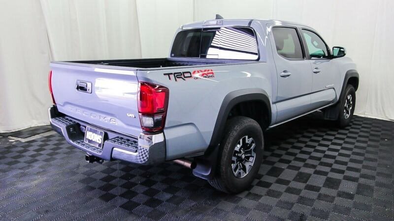 Image 8 Voiture Asiatique d'occasion Toyota Tacoma 2019