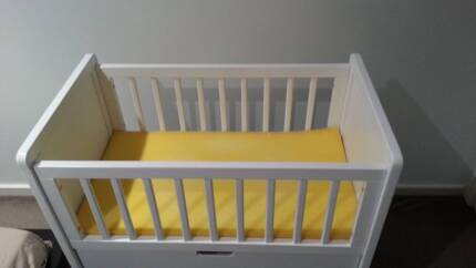 Mother's choice white lottie wooden cradle Essendon North Moonee Valley Preview