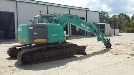 Kobelco Excavator SK200SR WITH BLADE!!! Quick Hitch Tilt Mud GP