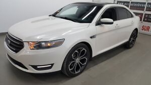 2013 Ford Taurus SEL, cuir, navigation, toit ouvrant, mags SHO