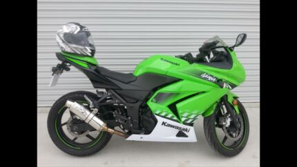 Ninja 250r.  Lams . Special edition.  Cardiff Lake Macquarie Area Preview