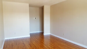 *FREE INTERNET* Newly Renovated 2 bedroom suite for just $975/mo