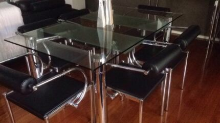 Nick Scalli Dining Table And Chairs URGENT