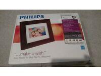 Philips 9FF2M4 9-Inch Digital Photo Frame