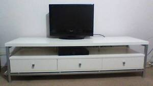 TV stand - like new Crows Nest North Sydney Area Preview