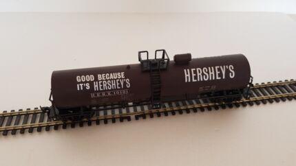 AS NEW: Model Rail 00/HO Hershey's tank car