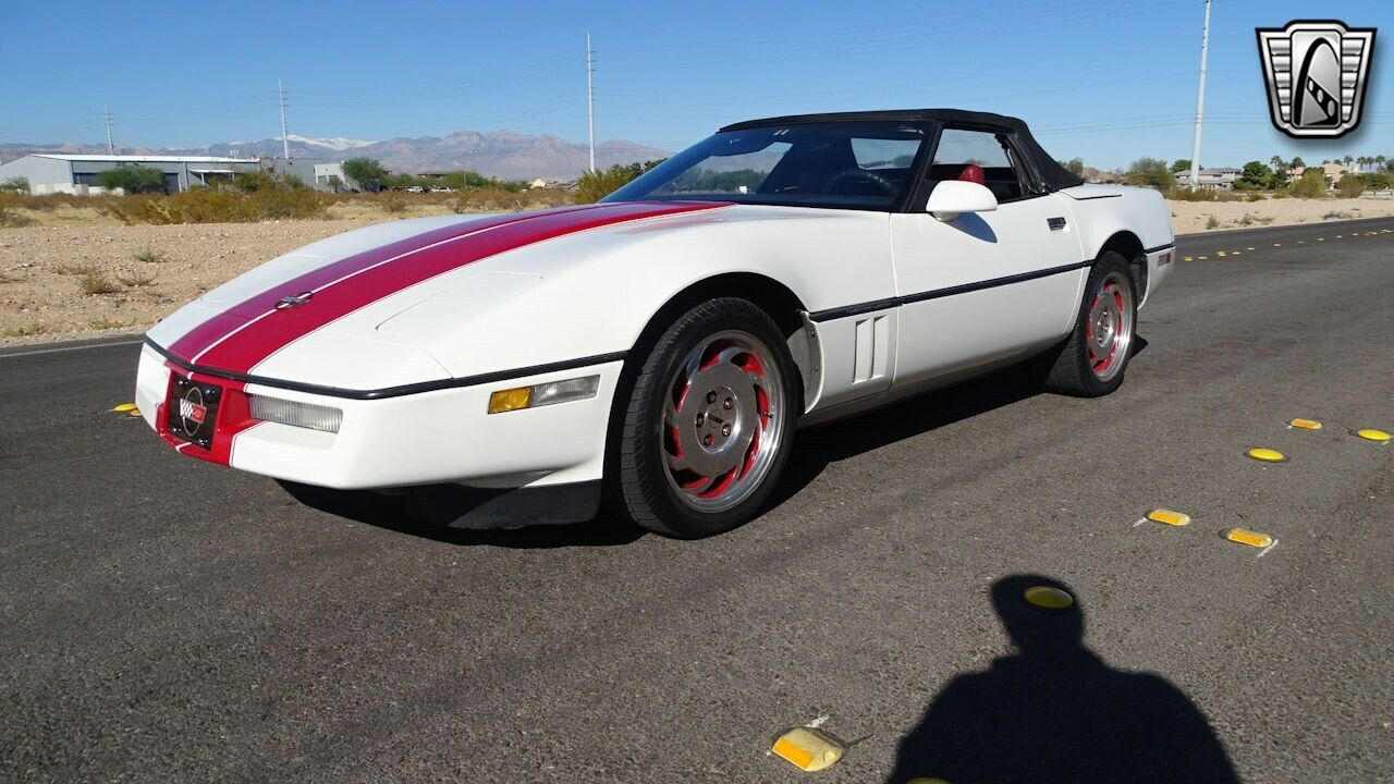 1986 White Chevrolet Corvette   | C4 Corvette Photo 8