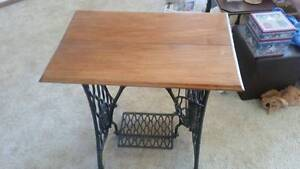 Antique Singer Treadle Sewing Machine Table Paradise Point Gold Coast North Preview