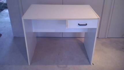 Desk and chair Pymble Ku-ring-gai Area Preview