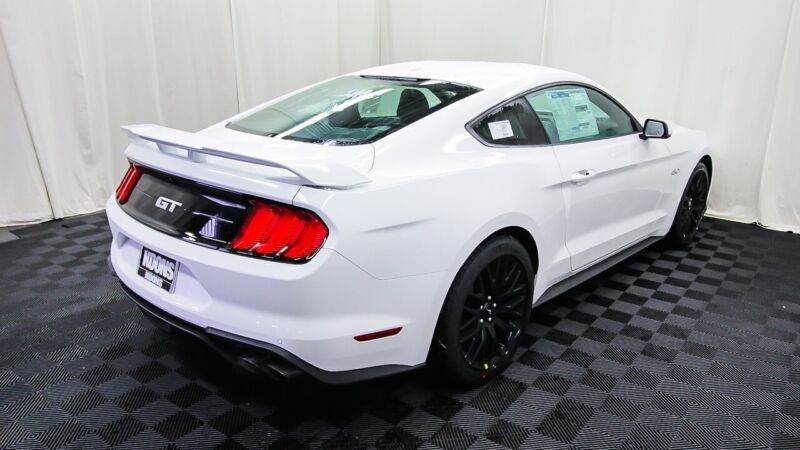 Image 5 Voiture American used Ford Mustang 2020