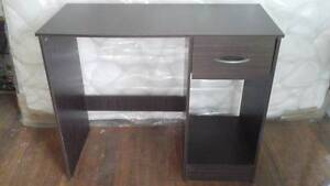 Small desk Karangi Coffs Harbour Area Preview
