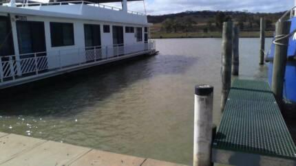 HOUSEBOAT/RIVER CRUISER BERTH FOR RENT MANNUM