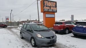 2014 Honda Fit DX-A**GREAT ON FUEL**RELIABLE**AUTO**CERTIFIED