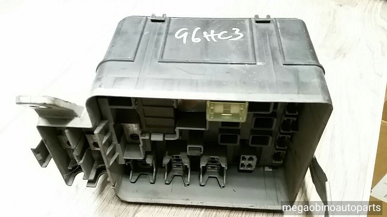 Buy Used Voltage Regulators Page 86 D21 Fuse Box 1996 2000 Honda Civic Wo Cover