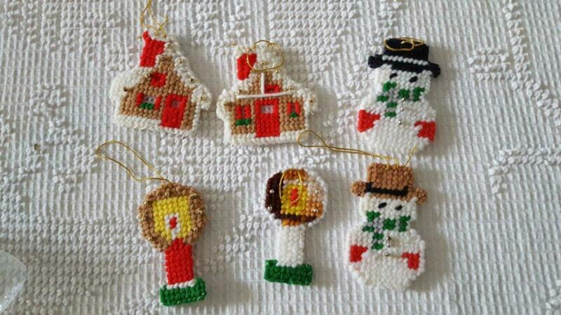 6 HANDCRAFTED FINISHED NEEDLEPOINT PLASTIC CANVAS CHRISTMAS ORNAMENTS, SNOWMEN,