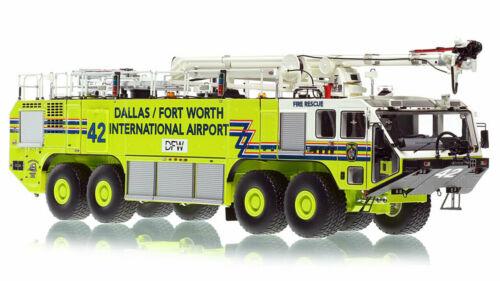 Dallas Fort Worth OSHKOSH 8X8 STRIKER 4500, EZ 42 1/50 Fire Replicas FR088-42