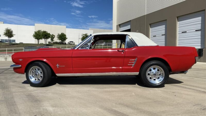 Image 3 Voiture American classic Ford Mustang 1966