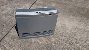 Rinnai Avenger 25 LPG Unflued Gas Heater with remote control South Windsor Hawkesbury Area Preview