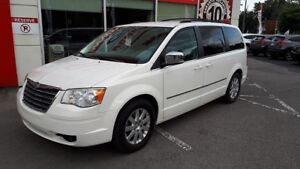 2010 Chrysler Town & Country Touring ** AUCUN ACCIDENT CARPROOF
