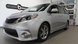 2011 Toyota Sienna SE, 8 places, caméra de recul,toit ouvrant
