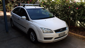 2006 Ford Focus Hatch White Manual Wamberal Gosford Area Preview