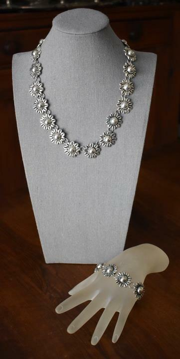 DELIGHTFUL MWS SIGNED MEXICAN STERLING SILVER FLORAL NECKLACE MATCHING BRACELET