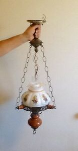 COLONIAL STYLE HANGING LIGHT FIXTURE