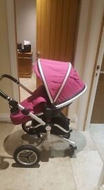 Silver Cross Surf 2, Excellent Condition cleaned and with carrycot