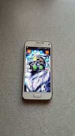 Samsung s5 mini hair line not noticed when the phone is on it's in great condition (unlocked)