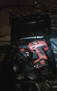 Skill 12 volt dril with 2 batteries ana