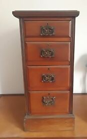 Edwardian mahogany bank of 4 drawers