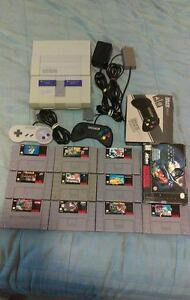 SUPER NINTENDO SNES W/ 2 CONTROLLERS AND 10 GAMES!