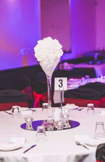Floral wall hire melbourne wedding centrepiece and decor hire melbourne wedding party centrepiece hire and decoration hire junglespirit Gallery