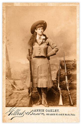 ANNIE OAKLEY Old West  Legend Vintage Photograph Cabinet Card RP 2