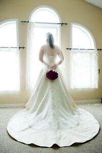Beautiful A-Line Wedding Dress Cambridge Kitchener Area image 1