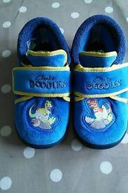 Boys Clark's slippers size 8.5G in good used condition
