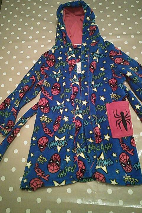 Boys 5-6 year old spiderman dressing gown barely used from tu at ...