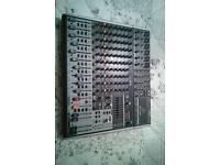 Behringer xenyx x1832 usb mixer