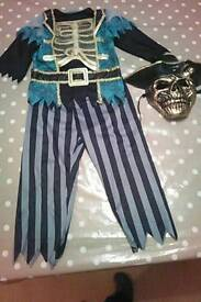 Skelton pirate fancy dress costume size 5-6 with mask from asda
