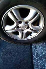Kia sportage set 4x16 alloys and tyres