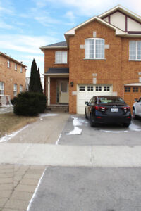 FOR RENT - 3BR + 2.5BTH End-Unit Townhouse in Oakville