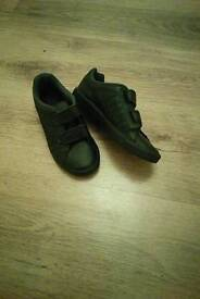 Black Nike trainers size 2