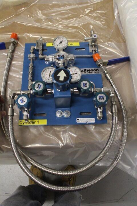 Wall Mount Oxygen gas Regulator