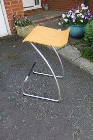 Breakfast-bar Chair.......